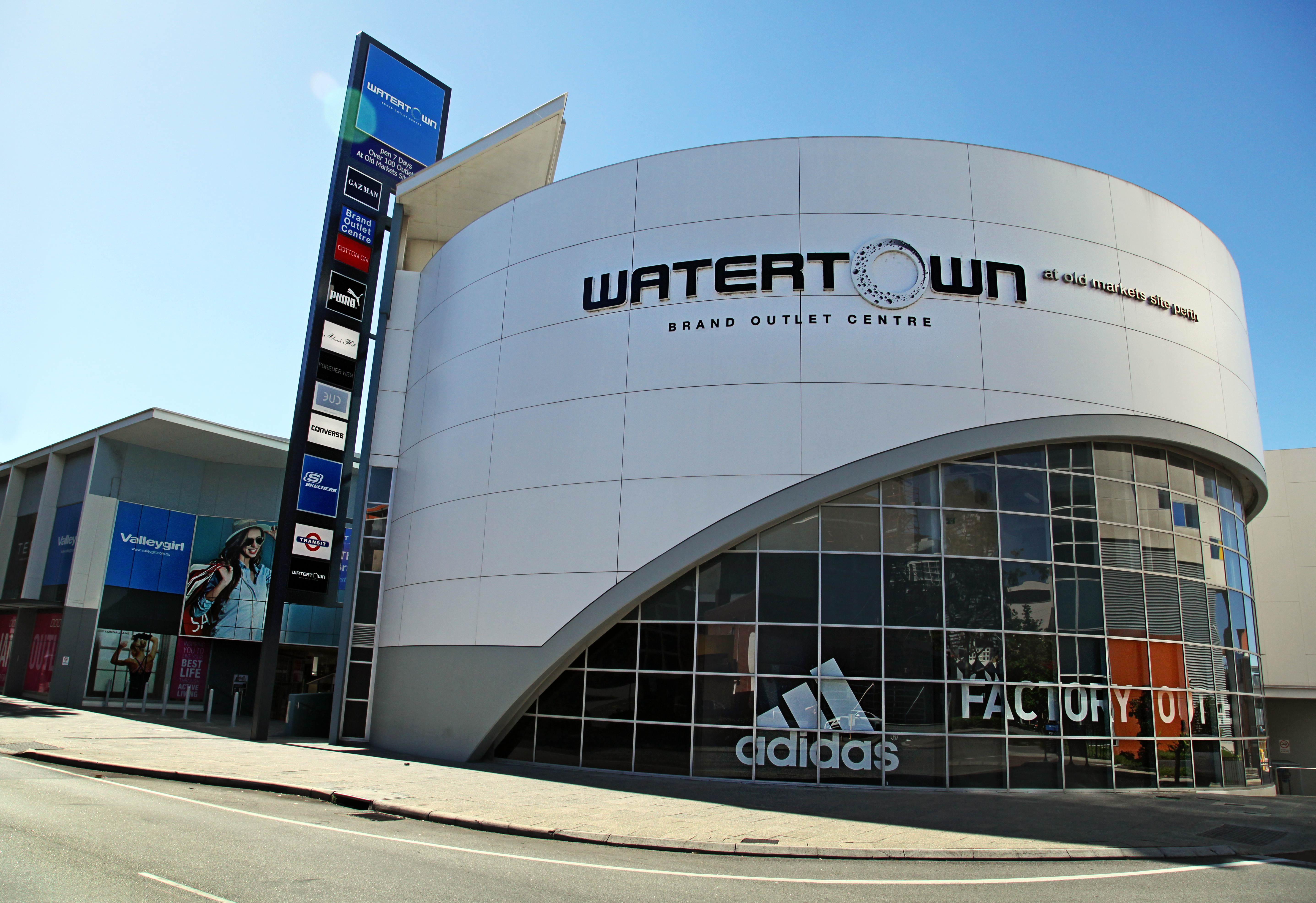 Watertown Brand Outlet centre